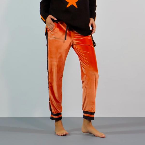joggers orange